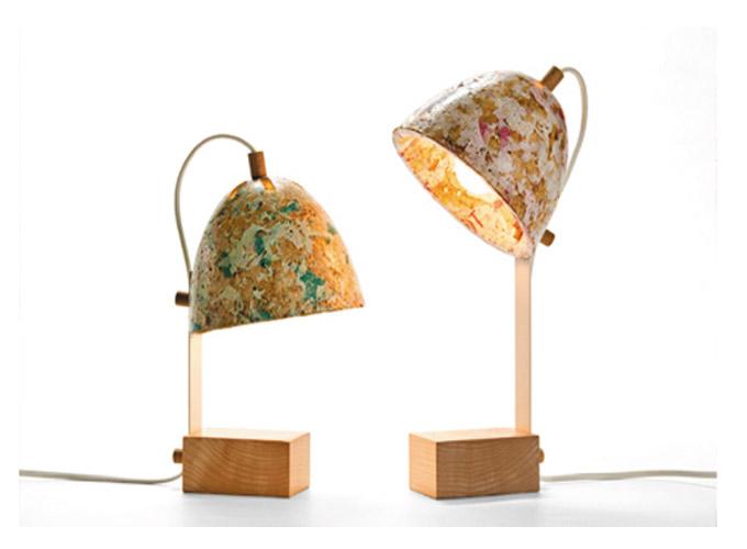 Lámparas de plástico reciclado para regalar por reyes