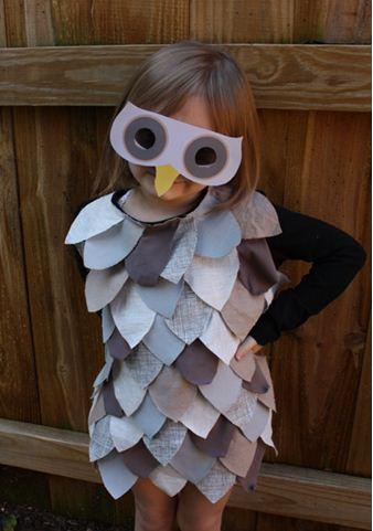 Disfraz de buho con telas de reciclaje