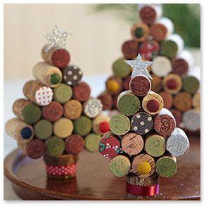 Adornos árbol Navidad con corchos