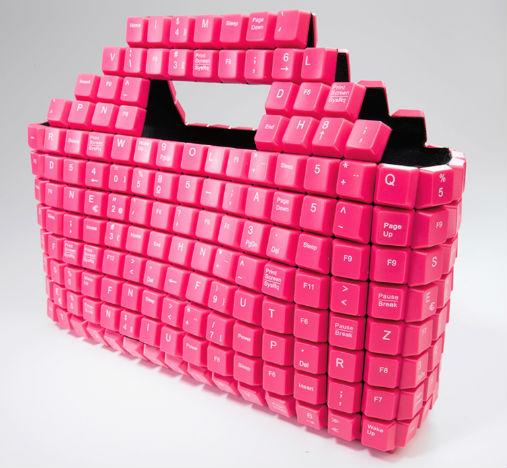 Bolsos hechos con teclas de ordenador