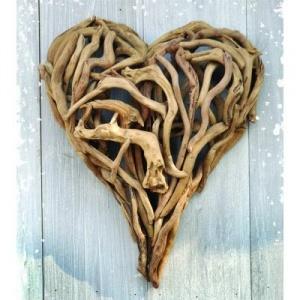 Decoración San Valentin: corazón con ramas
