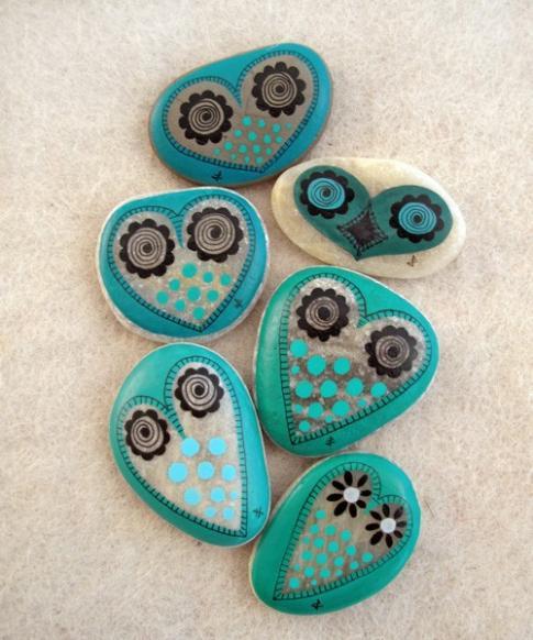 Piedras de rio pintadas con corazones para el 14 de febrero - Piedras de rio pintadas ...