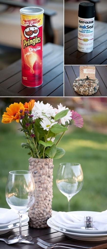Jarrón de flores con bote de pringles reciclado