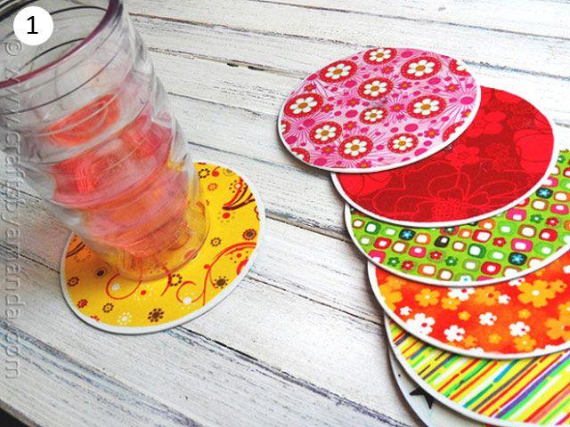 Cds forrados de papel de colores para posavasos