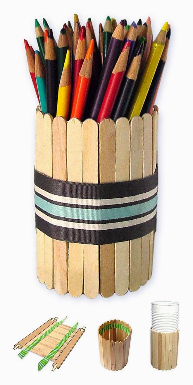 Organizador de bolígrafos con palitos de polo