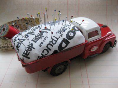 Alfileretero camión de juguete