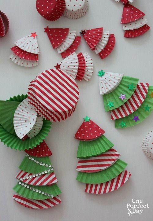 Reutilizar envoltorios de pasteles para adornos reciclados