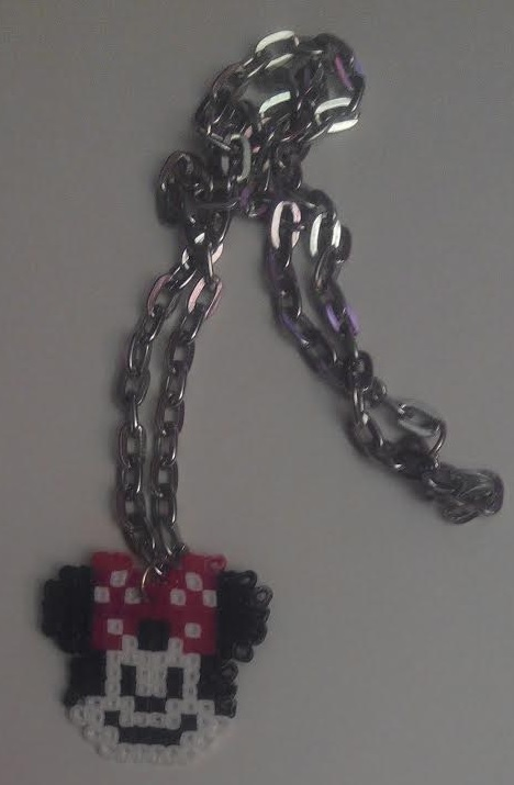 Colgante Minnie Mousse con hamabeads mini