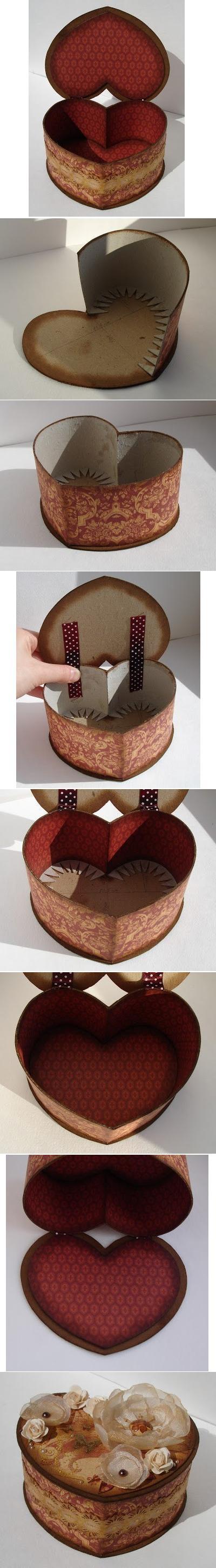 Caja corazón de cartón
