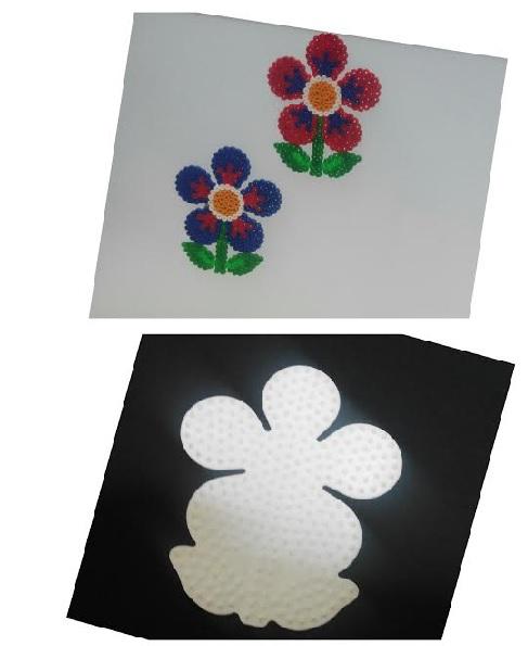 Tablero forma de flor de hama beads midi