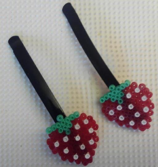 Horquillas para cabello de fresas con mini beads