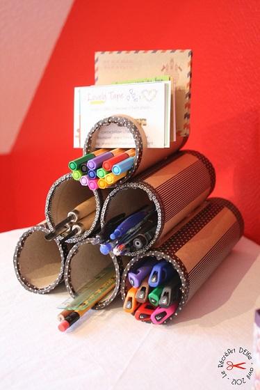 Organizador de bolígrafos con tubos de cartón