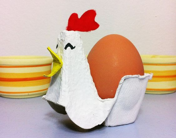 Cómo hacer soporte para huevo pasado por agua con cartón de huevos