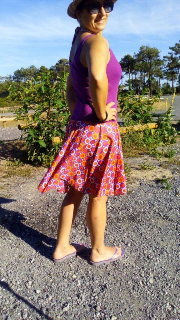 Reutilizar tela de paraguas viejo y convertirlo en un vestido playero