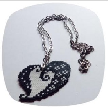 Colgante de mandala corazón con hamabeads mini