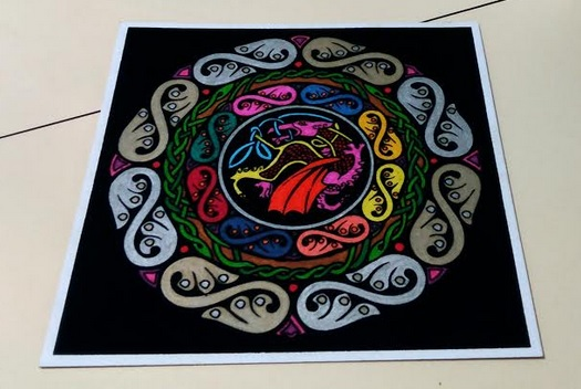Mándala Dragón Celta pintado con rotuladores