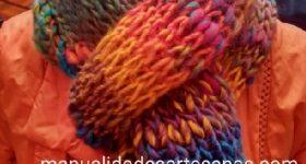 Bufanda de punto fácil con lana gruesa reutilizada y agujas del 12