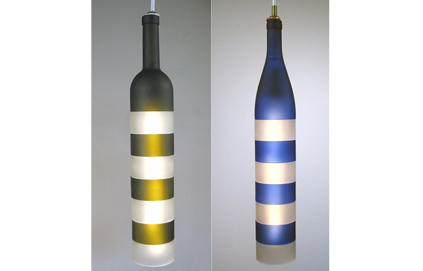 Lámpara de botellas de vidrio pintadas