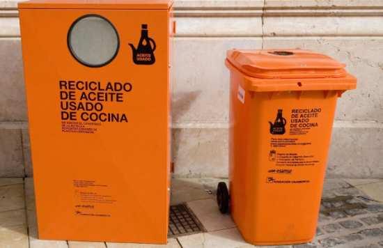 Bilbao contará con un centenar de contenedores para el aceite doméstico