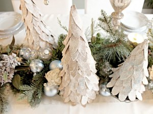 Árbol de navidad con cartones
