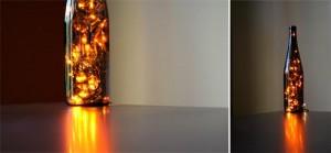 Botella de cristal reciclada con luces de Navidad.
