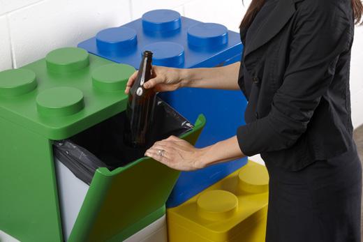 Reciclar basura en casa original contenedor con cubos de lego - Cubos reciclaje ikea ...