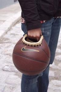 Bolso hecho con pelota de baloncesto