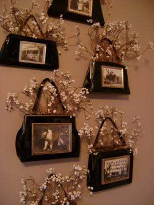 Decoración para salones: transformar bolsos en portarretratos de pared