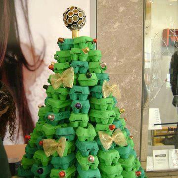 Árbol de Navidad con cartones de huevos