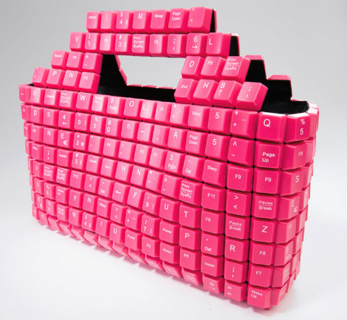 Dise o ecol gico bolsos hechos con teclas de ordenador - Como hacer bolsos con salvamanteles ...
