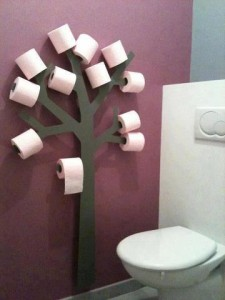 Portarrollos papel higiénico en forma de árbol de cartón