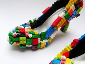 Zapatos originales con fichas de Lego