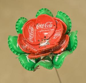 Hacer flores con los iturris o chapas de metal