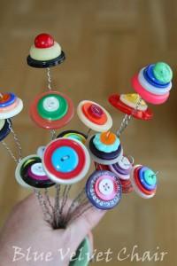 Ramos de flores con botones usados
