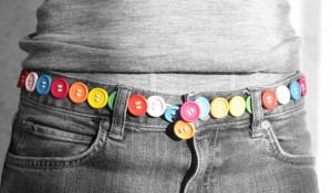 Cinturón con botones de colores de los babis del cole