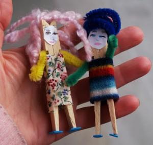 Muñecas con pinzas de tender ropa