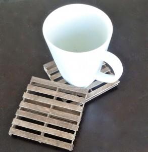 Posavasos forma mini pallets de madera