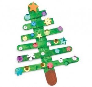 Adorno árbol Navidad con palos de helado