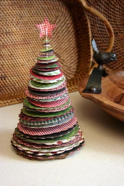 Cómo hacer un árbol de Navidad de mesa con retales de tela