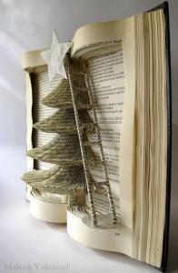 Artesania creativa: árbol dentro de un libro