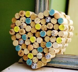Corazón con corchos de vino