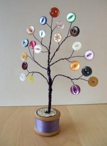 Árbol de la vida con alambre y botones