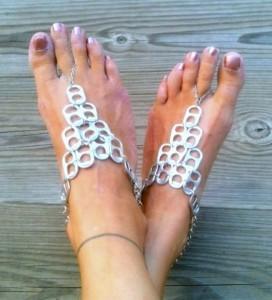 Pulsera para pies con chapas de latas