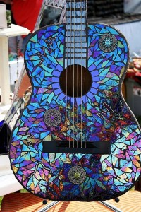 Guitarra tuneada con cds viejos