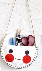 Bolso utensilios para manualidades reusando platos de cartón
