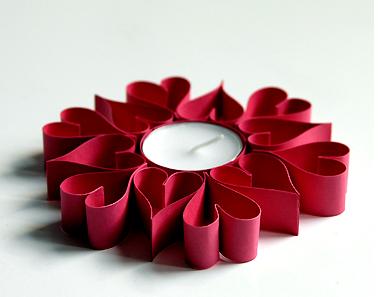 C mo hacer portavelas con los tubos de cart n del papel for Como puedo hacer un cono