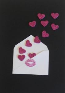 Cuadro con mensaje enviando corazones