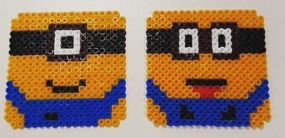 Posavasos dúo de minions hechos con hama beads midi