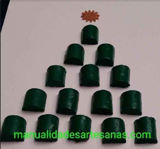 Árbol de Navidad con corchos de vino para cuadro o felicitación
