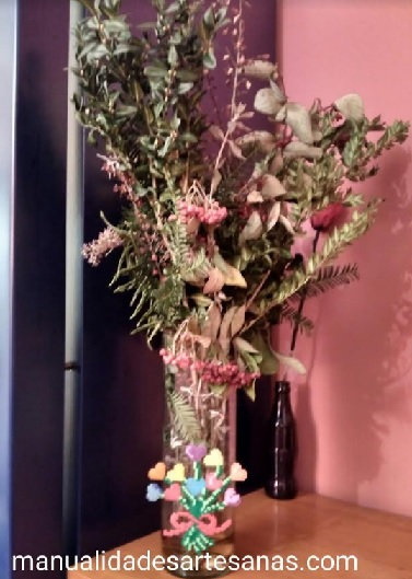 Ramo de corazones para decorar jarrón en San Valentín